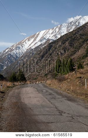 The road into the mountains. Kyrgyzstan. Ala-Archa.