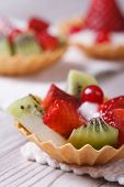 Tartlets With Strawberries, Kiwi And Cranberries Vertical