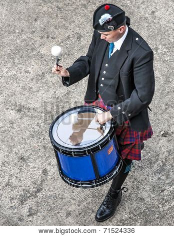 Scottish Musicien Drummer1