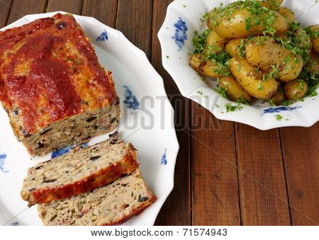 Turkey Meatloaf With Roasted Potatoes