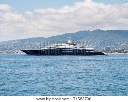 CANNES, FRANCE - AUGUST 13: Luxury mega yacht SERENE anchored in French Riviera. August 13, 2014 in Cannes, France.