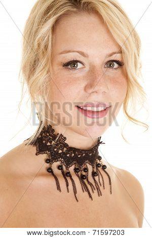 Close Up Choker Beads Lace