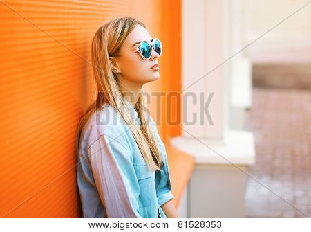 Summer, Fashion And People Concept - Lifestyle Portrait Stylish Pretty Woman In Sunglasses Against C