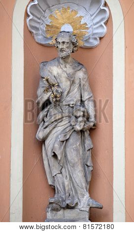 GRAZ, AUSTRIA - JANUARY 10, 2015: Saint Joseph on the portal of Dreifaltigkeitskirche ( Holy Trinity ) church in Graz, Styria, Austria on January 10, 2015.