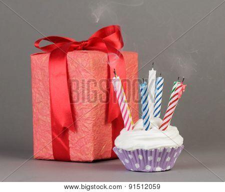 Cupcake and gift box