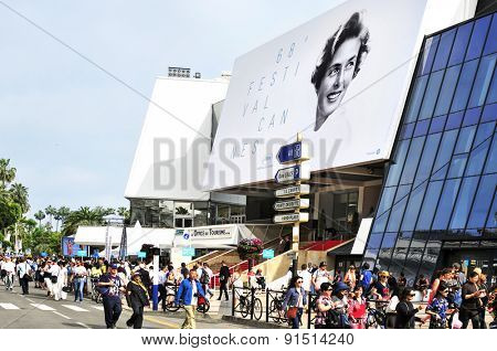 CANNES, FRANCE - MAY 14: People around the Palais des Festivals, in the Promenade de la Croisette, during the 68 edition of the Cannes Film Festival on May 14, 2015 in Cannes, France