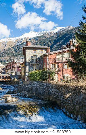 Village On Mountain Creek