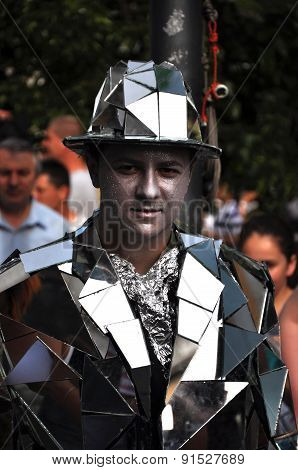 Street Performer, Living Statue In Mirror Costume
