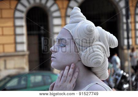 Living Statue, Street Performer