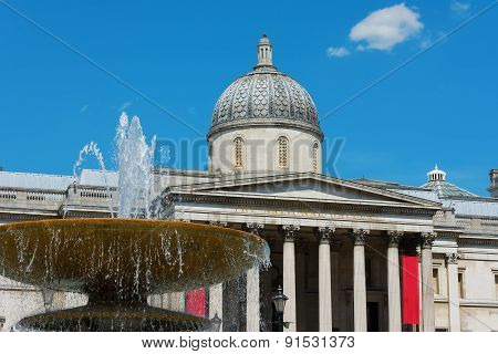 National Gallery London With Fountain