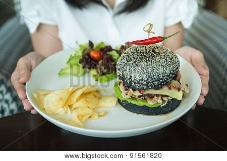 Hamburger Pork Made From Bread Breeze Yacht Mixing Bamboo Charcoal Black.