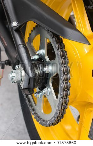 Enduro motorbike wheel and chain