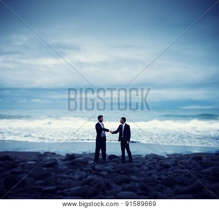 Businessmen Commitment Handshake Beach Relaxatiion Concept