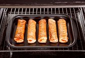 picture of oven  - Baking pastry in the oven - JPG