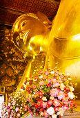 pic of recliner  - Giant golden recline buddha in Thailand - JPG