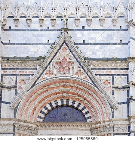 Siena Cathedral is a splendid example of medieval architecture