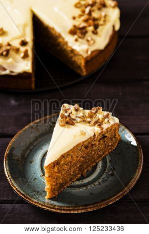 Super moist carrot cake icing cream cheese with pecans
