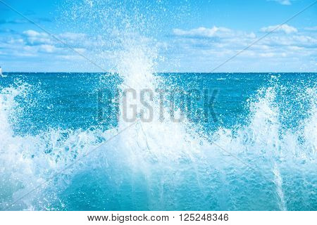 Big Wave On The Blue Sea