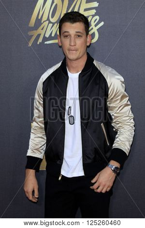 LOS ANGELES - APR 9:  Miles Teller at the 2016 MTV Movie Awards Arrivals at the Warner Brothers Studio on April 9, 2016 in Burbank, CA