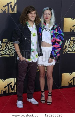 LOS ANGELES - APR 9:  Blake Anderson, Rachael Finley at the 2016 MTV Movie Awards Arrivals at the Warner Brothers Studio on April 9, 2016 in Burbank, CA