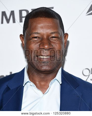 LOS ANGELES - APR 07:  Dennis Haysbert arrives to the Reel Stories, Real Lives  on April 07, 2016 in Hollywood, CA.