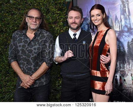 LOS ANGELES - APR 05:  Gregory Nicotero, Chris Hardwick & Lydia Hearst arrives to the Wizarding World of Harry Potter Opening  on April 05, 2016 in Hollywood, CA.