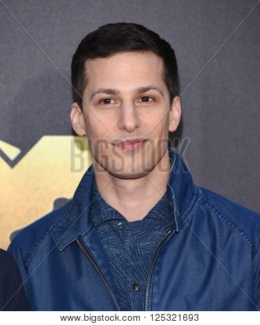 LOS ANGELES - APR 09:  Andy Samberg arrives to the Mtv Movie Awards 2016  on April 09, 2016 in Hollywood, CA.