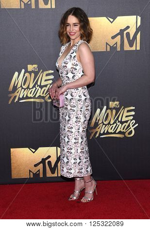 LOS ANGELES - APR 09:  Emilia Clarke arrives to the Mtv Movie Awards 2016  on April 09, 2016 in Hollywood, CA.
