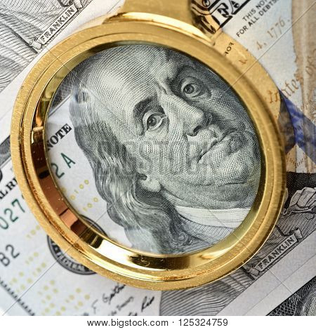 Magnifying Glass on the Franklin hundred dollars