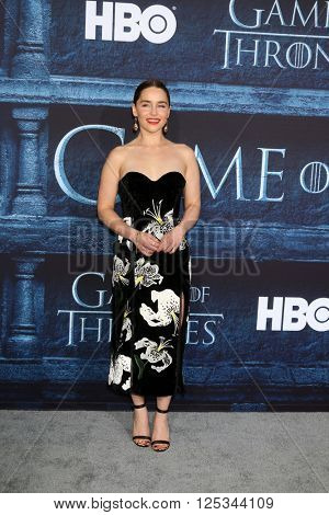 LOS ANGELES - APR 10:  Emilia Clarke at the Game of Thrones Season 6 Premiere Screening at the TCL Chinese Theater IMAX on April 10, 2016 in Los Angeles, CA