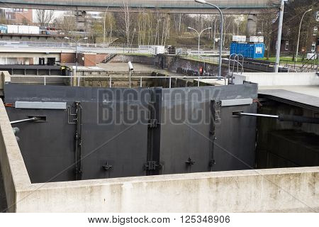 Brandshofer sluice, Old lock chamber in the Hamburg harbor