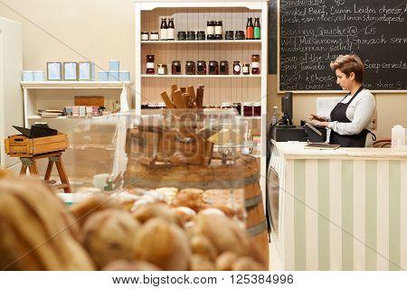 The friendliest cashier and best food around