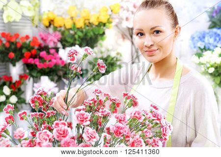 Flower containers laid a bouquet of cut flowers