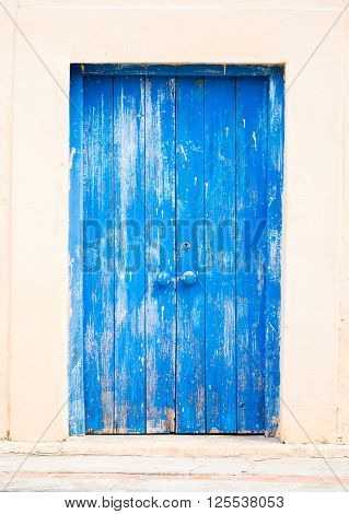 Blue wooden door on the Prison Island next to Zanzibar.