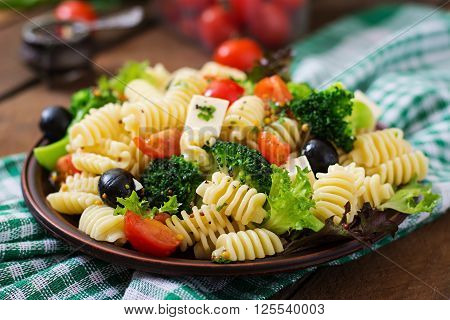 Pasta Salad With Tomato, Broccoli, Black Olives,  And Cheese Feta