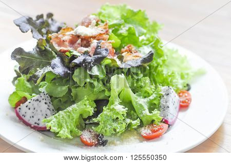 vegetable salad with bacon dish , salad