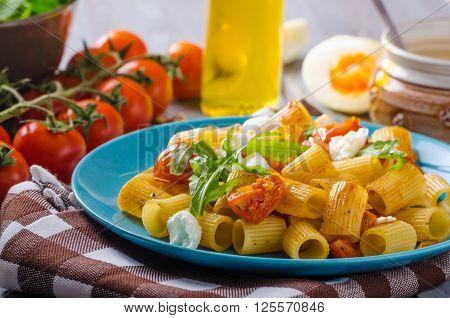 Rigatoni Pasta With Mozzarella And Tomato