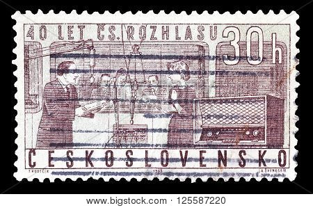 CZECHOSLOVAKIA - CIRCA 1963 : Cancelled postage stamp printed by Czechoslovakia, that shows National radio service.