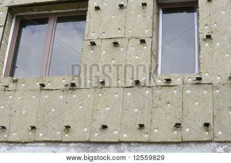 Thermal insulation of a building