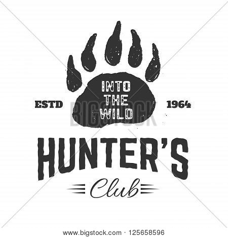 Hunter's club label template. Bear footprint. Bear hunting. Design element in vector.