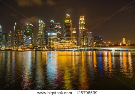 SINGAPORE, FEBRUARY 19 2016 : Singapore skyline and view of the financial district, Singapore on February 19 2016