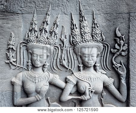 The Ap-sara decoration at the corner of Angkor wat.