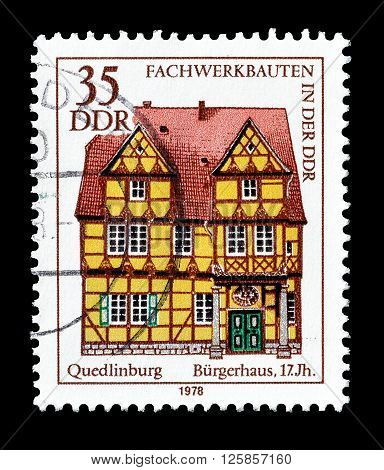 GERMAN DEMOCRATIC REPUBLIC - CIRCA 1978 : Cancelled postage stamp printed by German Democratic Republic, that shows Quedlinburg Mansion.
