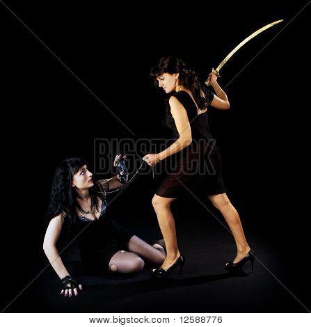 Zwei Frau Kampf mit Schwert
