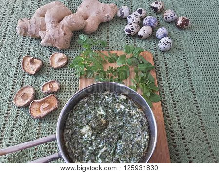 Goutweed squash with mushrooms omelet, Cooking with ginger, wild plants and quail eggs