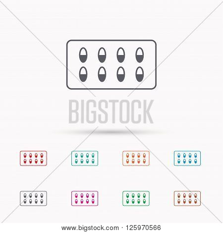Medical capsules icon. Medicine drugs sign. Linear icons on white background.