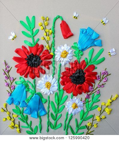 picture embroidered ribbons, red and white wildflowers