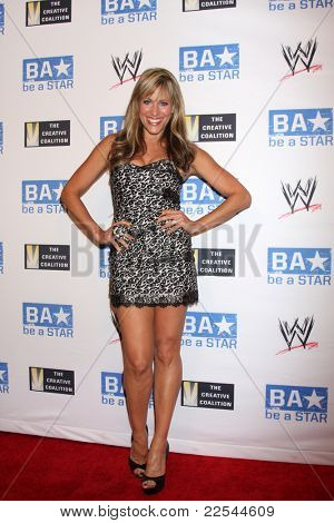 LOS ANGELES - AUG 11:  Lilian Garcia  arriving at the