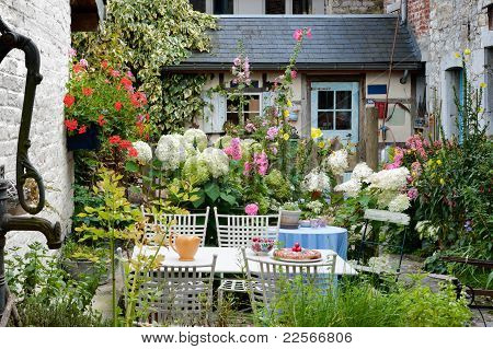 Cozy vintage backyard
