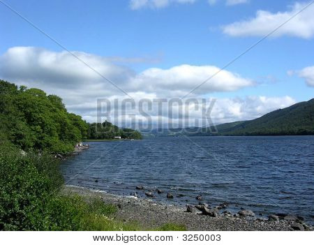 Coniston Water buscando norte